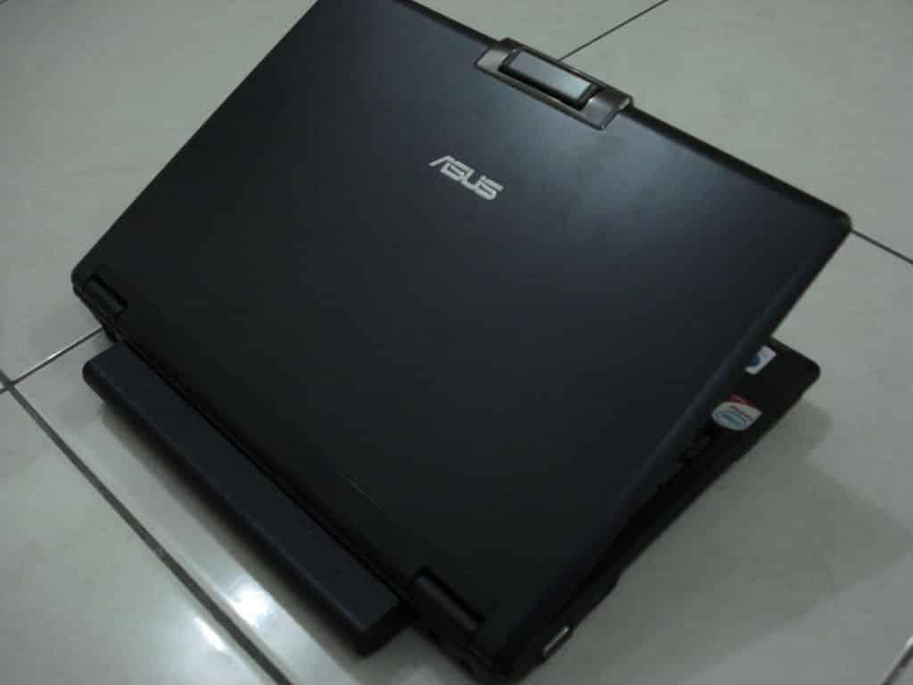 Asus F9S